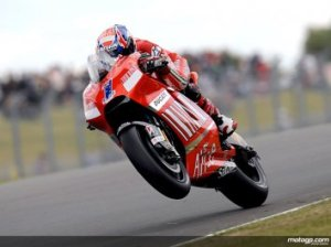 Stoner Winning at Donington